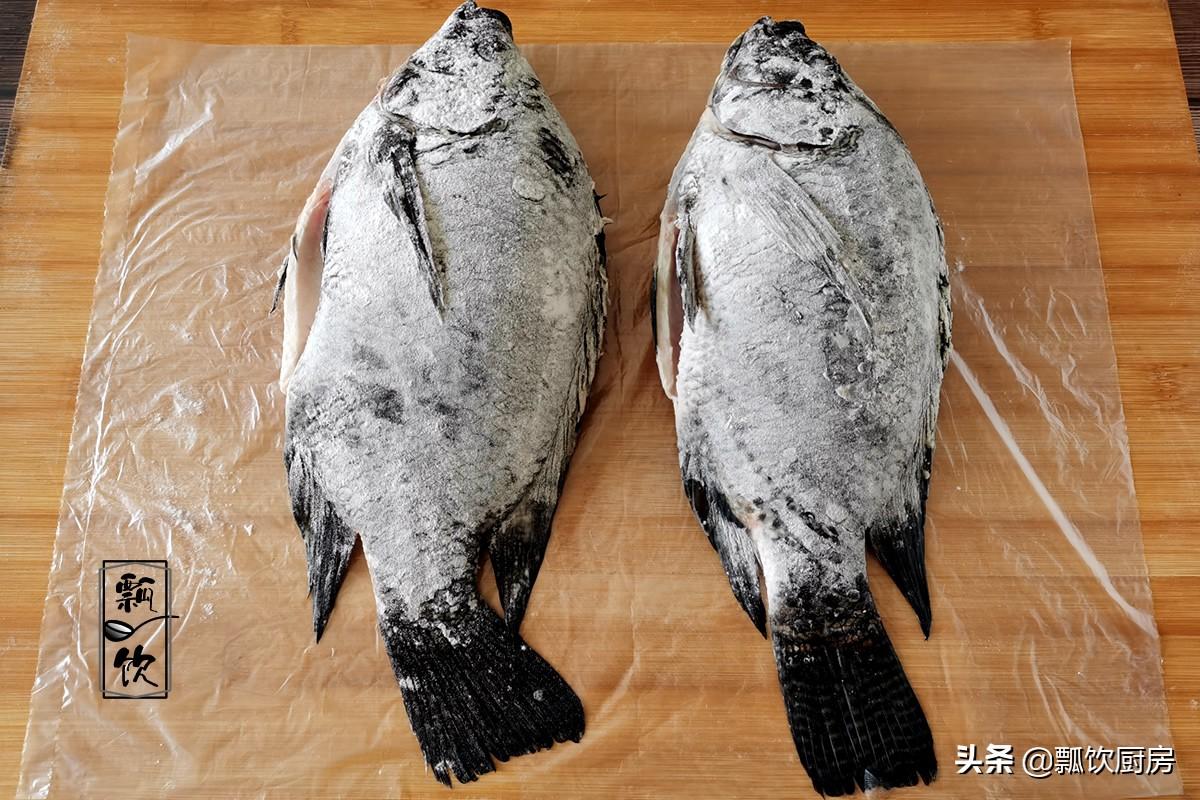 寒冷的冬天,在家做魚鍋很簡單,湯鮮味美,營養又溫暖,太喜歡了