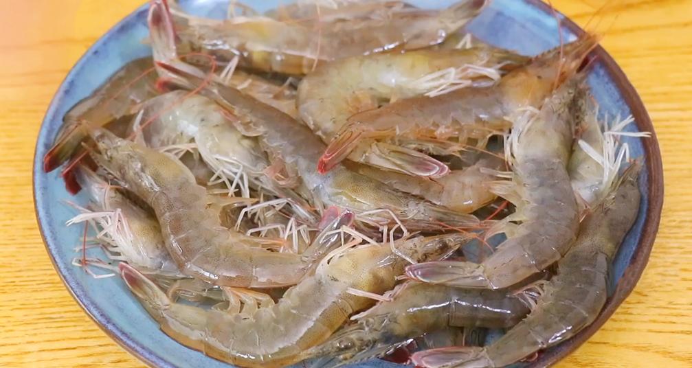 有蝦的蝦片,自己在家做,真材實料,好吃無添加,做一次能吃半年