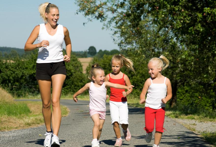 想让孩子身体发育好,这3项运动就要少接触,影响不是一般的大