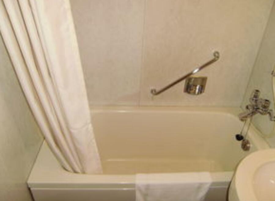 日本卫生间小却干净利索,3㎡能装出8㎡的效果,还带浴缸,厉害