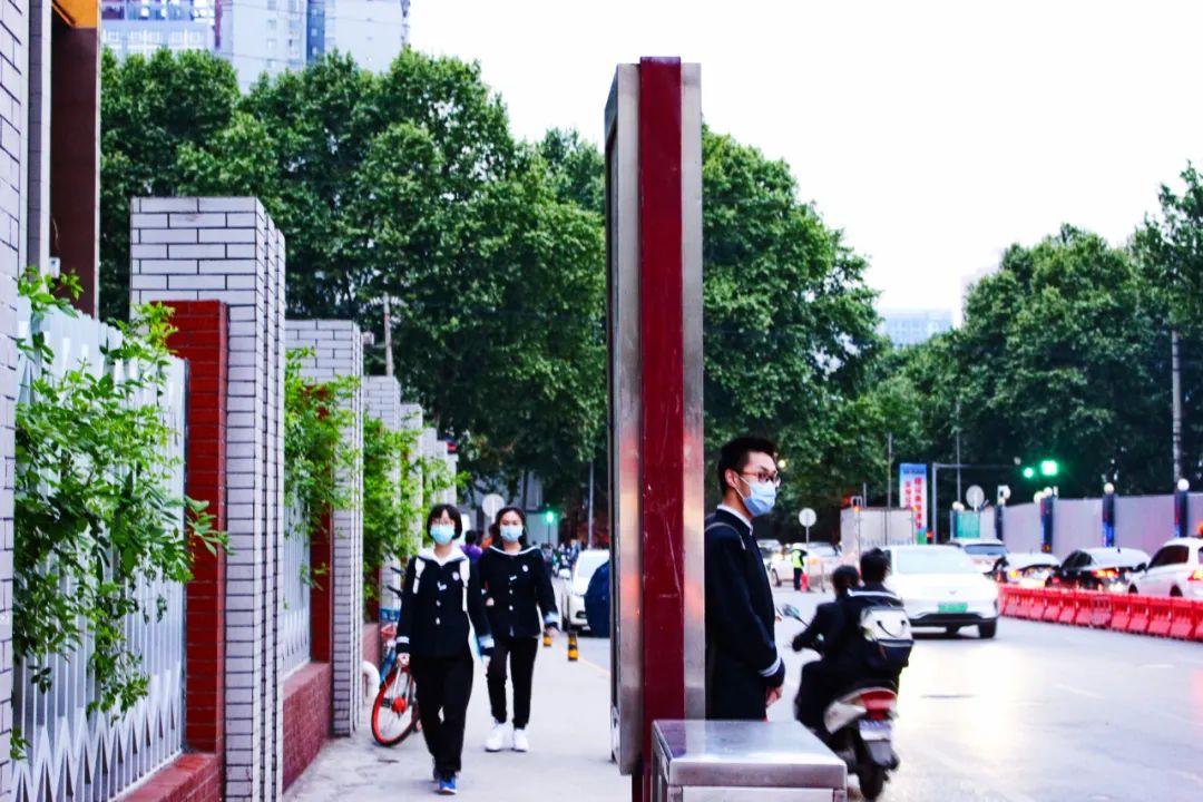 """铁安一街,学生时代的""""青春路""""!"""