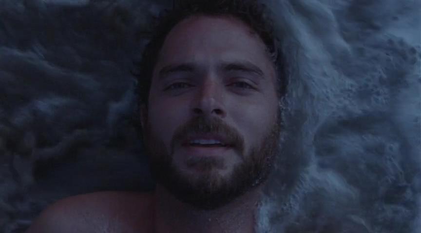 豆瓣8.3,九年前这部公映的同志片子,拍了一段催泪人鬼情