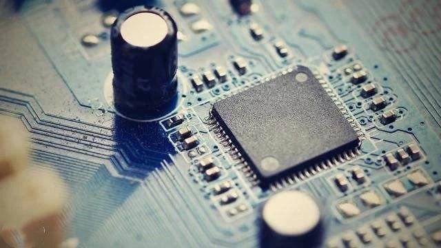 僅用8年打破壟斷,拿下113項專利,造出中國最先進的軍用芯片