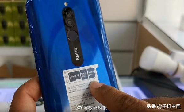 红米8真机图亮相外国媒体:5000mAh超大型充电电池 骁龙439