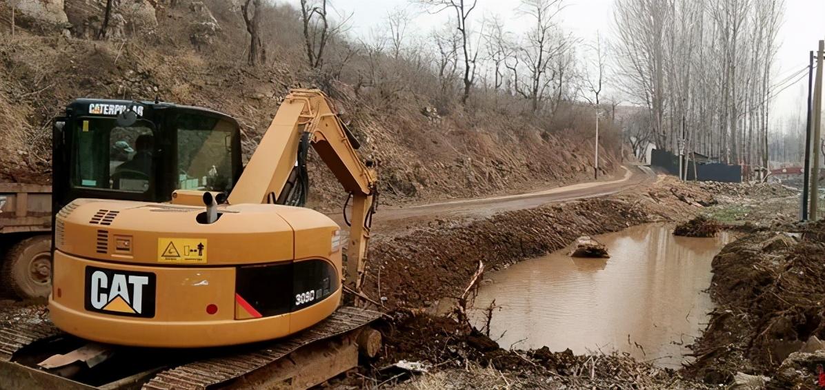 江苏响水县七套中心社区全面治理道路河沟水土环境