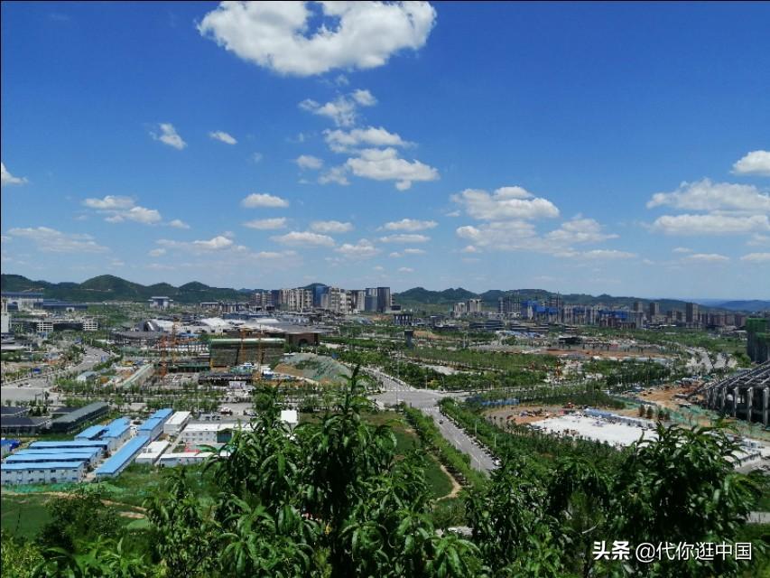 陕西延安新区,削山填沟,挖了几十个山头,总土方量近10亿立方米