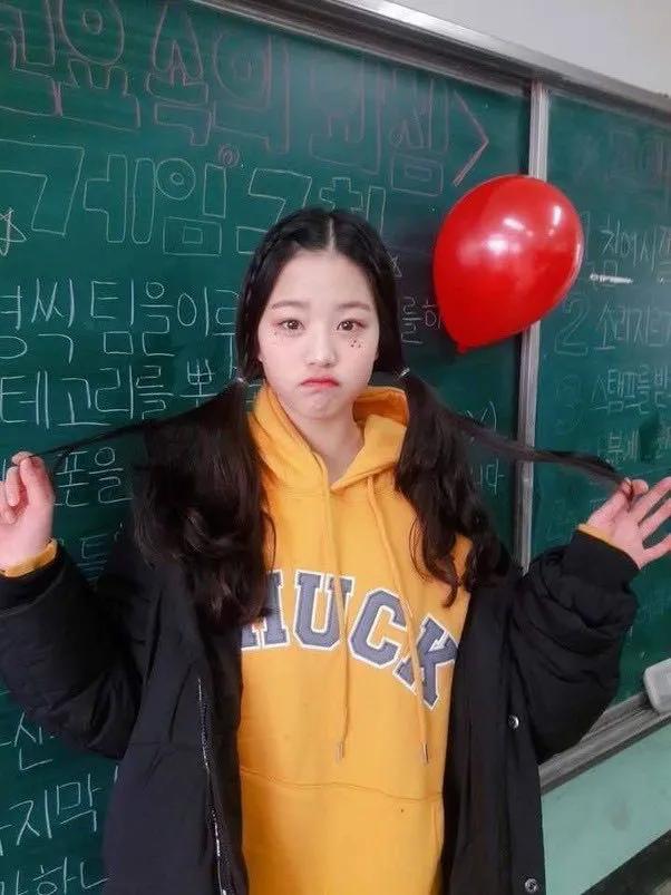 IZ*ONE成员张元英整容?是女大十八变吗;泰妍时隔4年出演打歌节目?