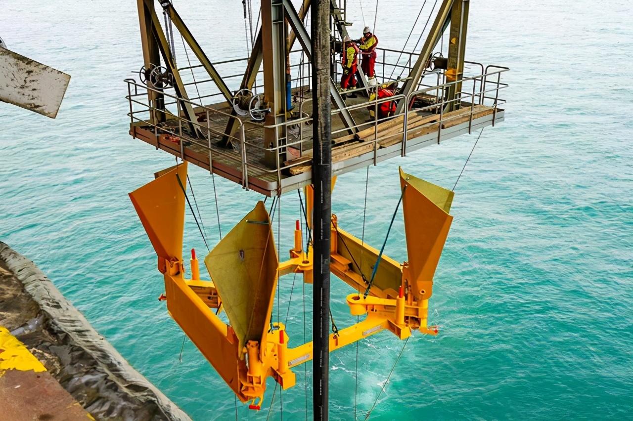 我国首套自主研发水下采油树系统海试成功