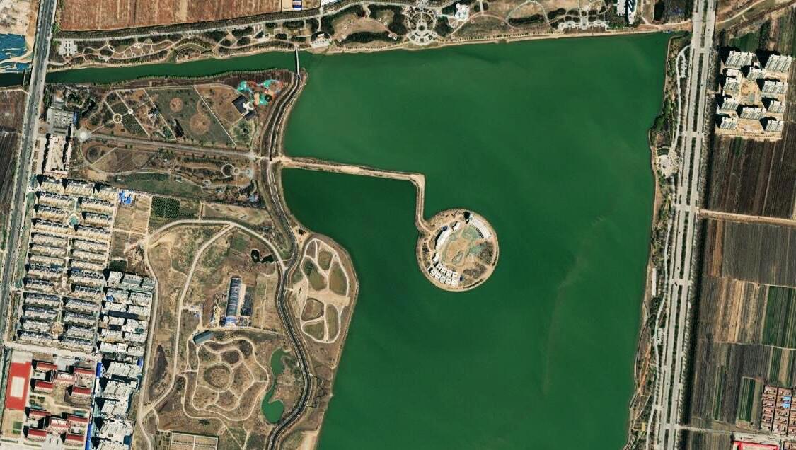 卫星航拍山东高唐县城:环城湖是最大的亮点