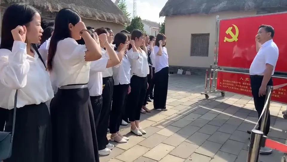 江苏阜宁师范学校附属小学寻访革命旧址 传承红色基因