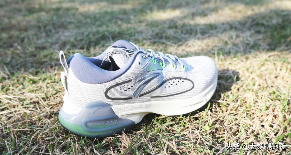 谁说预算少就穿不了好鞋?这5双跑鞋脚感颜值并重,还都是大牌