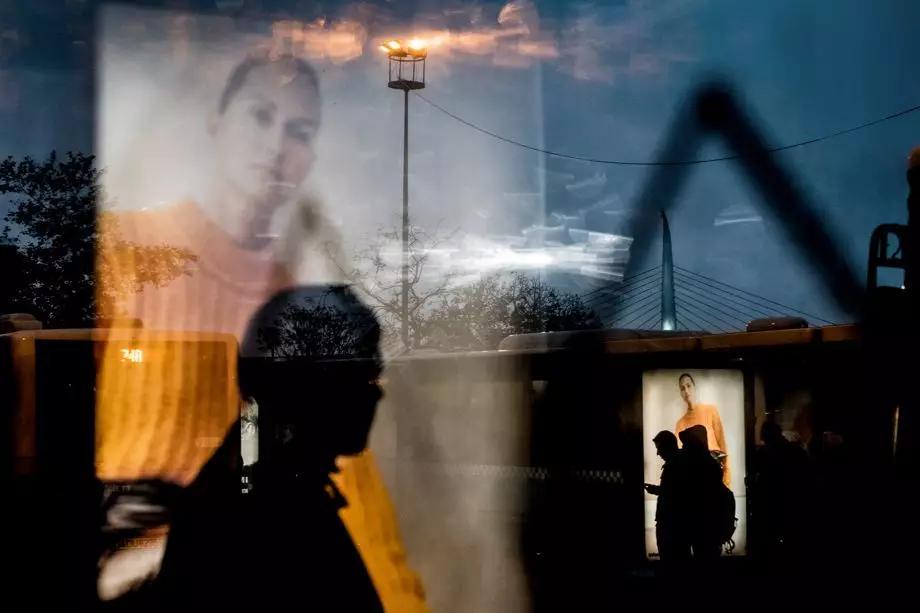 90后摄影师,凭借街头摄影给人耳目一新的感觉!