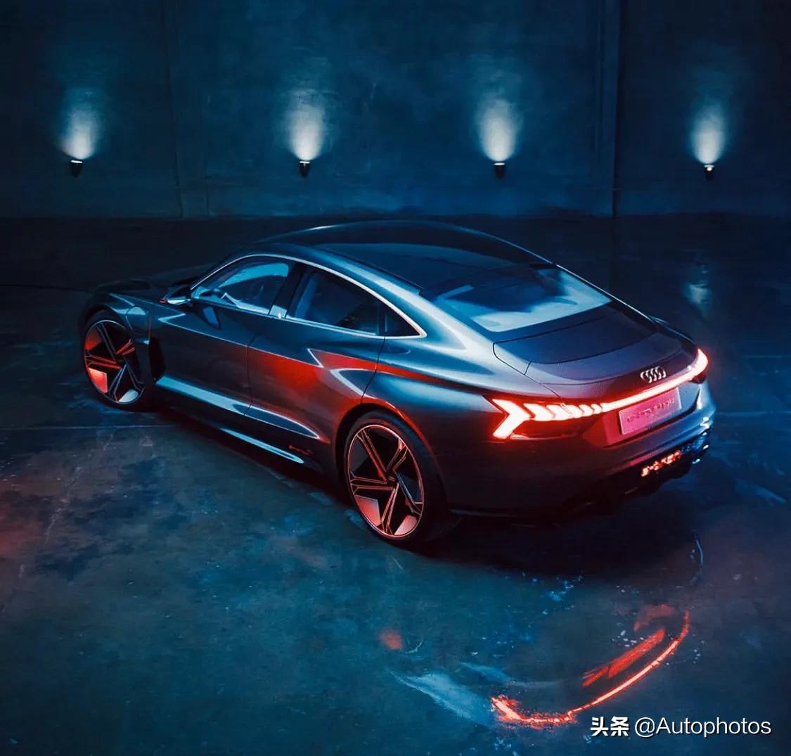 奥迪e-tron GT跑车,钢铁侠的座驾,未来将引入国内