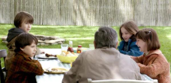 亲子关系:父母拒绝成长,孩子永远崩溃