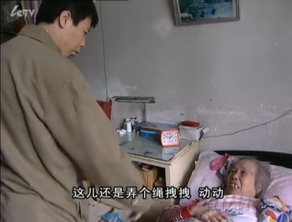 27岁被陷害赶出部队,38岁事业受阻惨遭封杀,冯小刚的苦难前半生