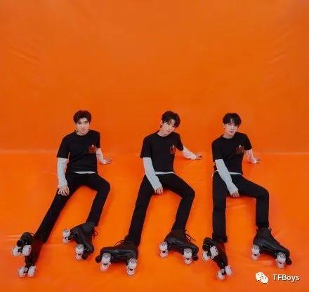 王俊凯电竞男主脸上热搜,粉丝:我酸了,想要一个电竞综艺