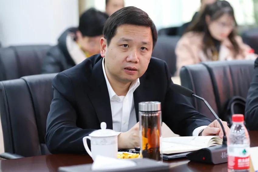 乐清市委市政府领导莅临金莎开展新春慰问