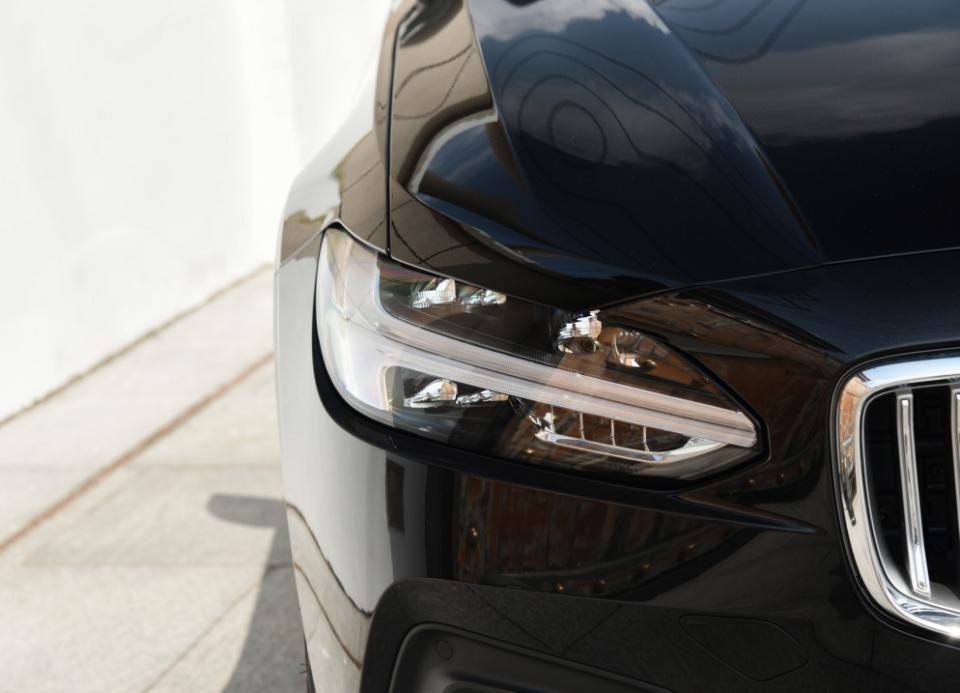 沃尔沃S90,配250马力,长接近5米1,30多万你会买它吗