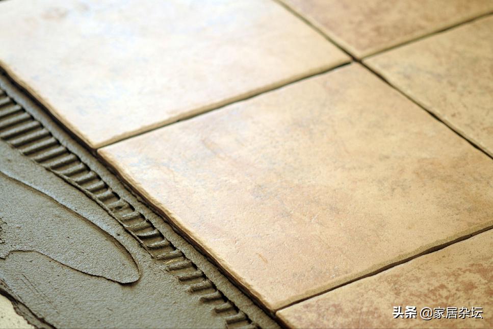 室内地砖大面积空鼓,问题基本出在4个方面,要对症预防和修复