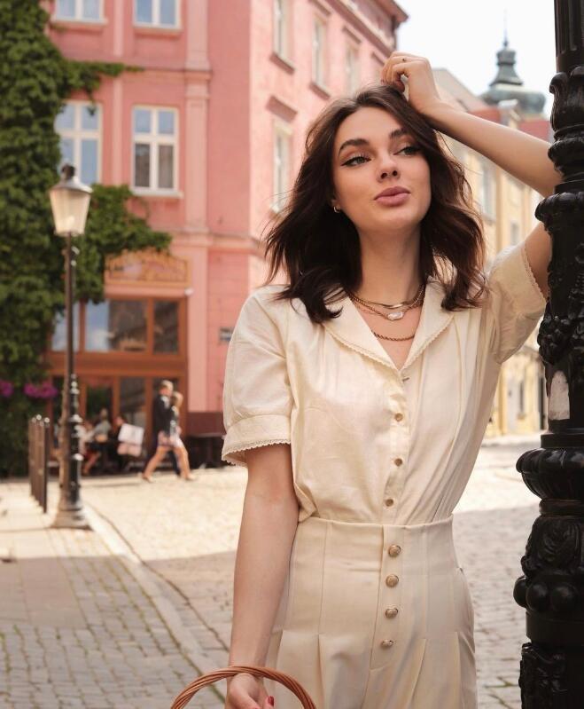 巴黎时尚ins博主Constance 优雅与时尚并存的法式穿搭