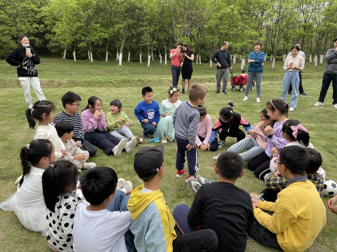 """合肥一六八玫瑰园学校南校区与北京外国语大学合肥国际学院开展""""中法儿童文化交流初体验""""活动"""