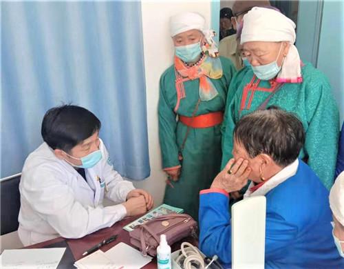 """内蒙古:蒙医义诊为人民 心系""""国家的孩子"""""""