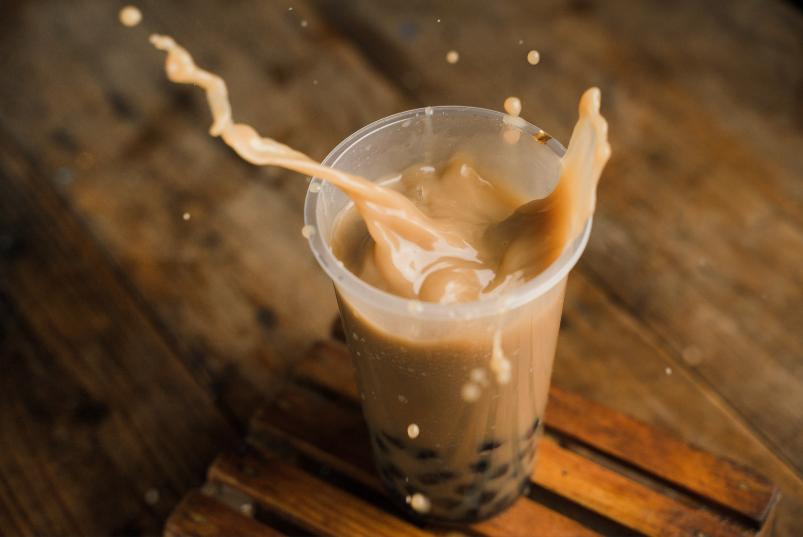 新茶饮分化:高端IPO、低端下沉、腰部内卷