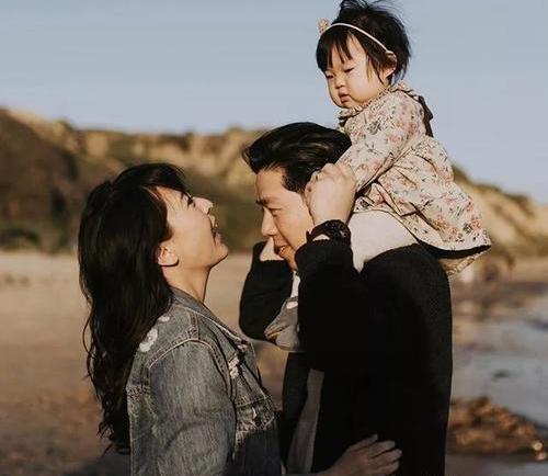 初三女生作文写出爷爷奶奶的爱情,让人感动,孩子没有什么不该懂