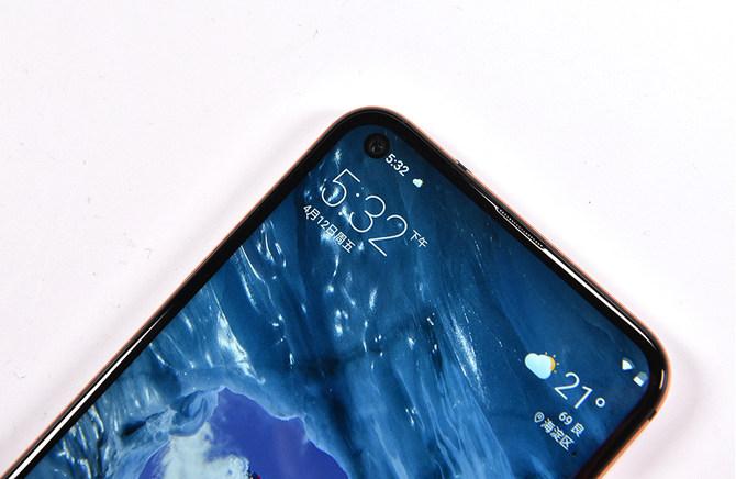 最超值的打孔屏手机 Nokia X71上手体验