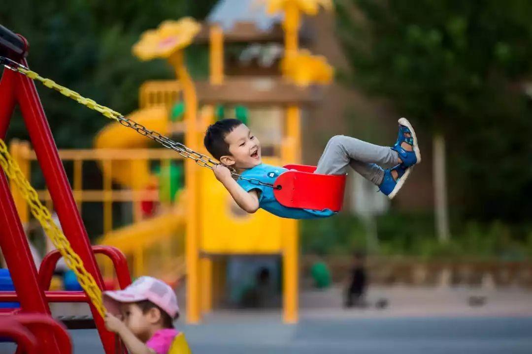 2岁半和3岁孩子上幼儿园 表达能力不是很好的孩子真不是很适合早上小小班