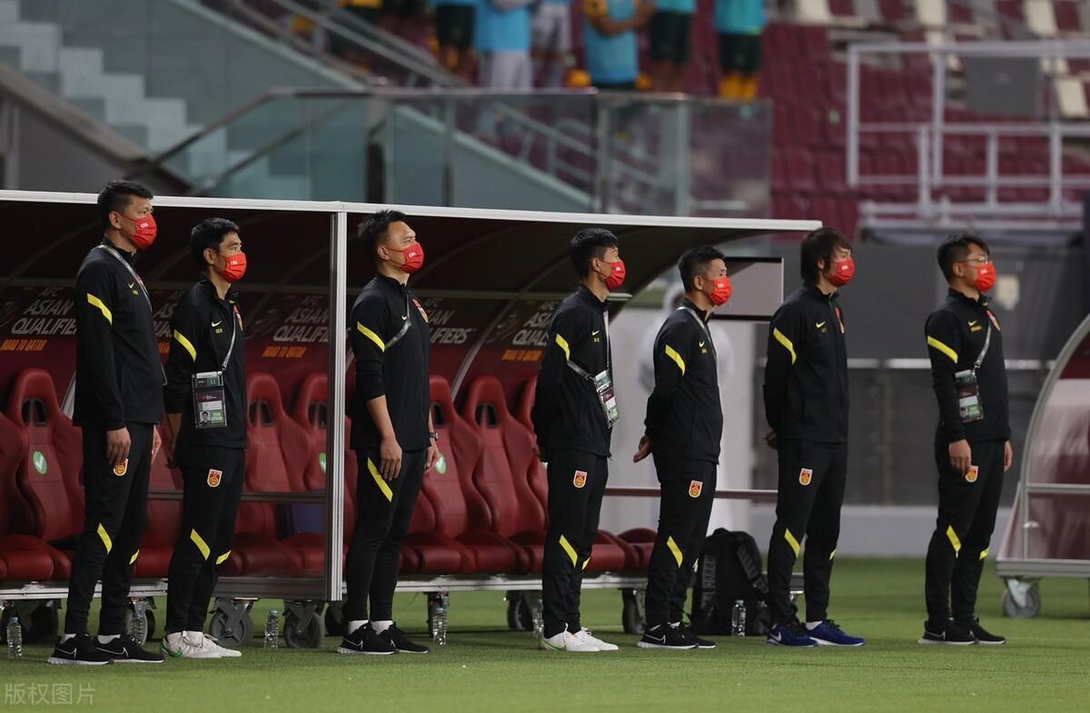 12强赛-国足客场0-3澳大利亚暂垫底 马比尔博伊尔破门武磊表现活跃