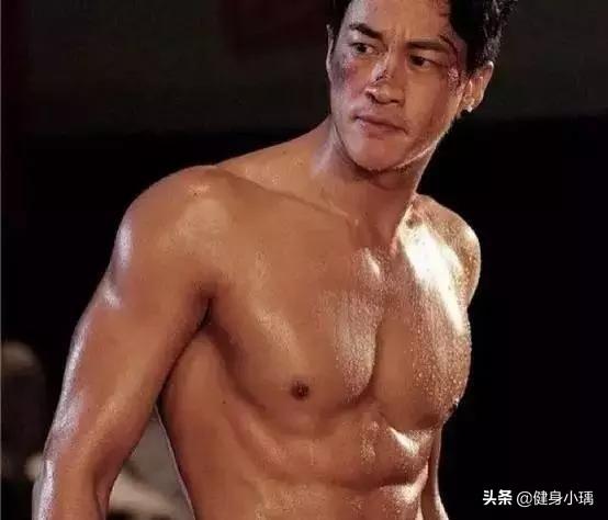 45岁何润东从肌肉男到身材发福,中年男人如何摆脱身材走样的怪圈