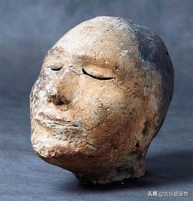 俄罗斯出土古代头雕,有2100年历史,x射线扫描显示有不寻常物质