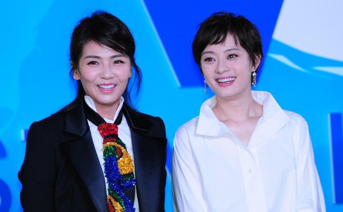刘涛和孙俪罕见同框,两大女强人同穿商务装,气质好霸气