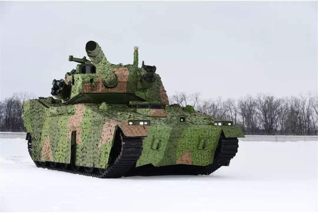 美摸着解放军过河?美军新坦克向15式轻坦看齐,中国引领世界潮流