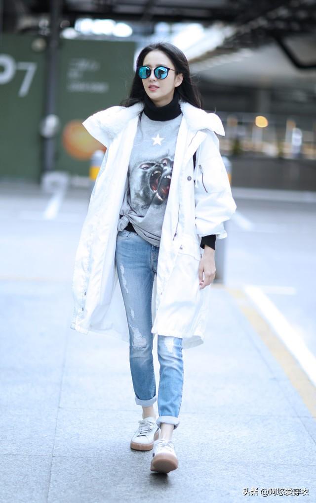 穿风衣别总配靴子,学佟丽娅这样来装扮,精致又洋气,美得很高级