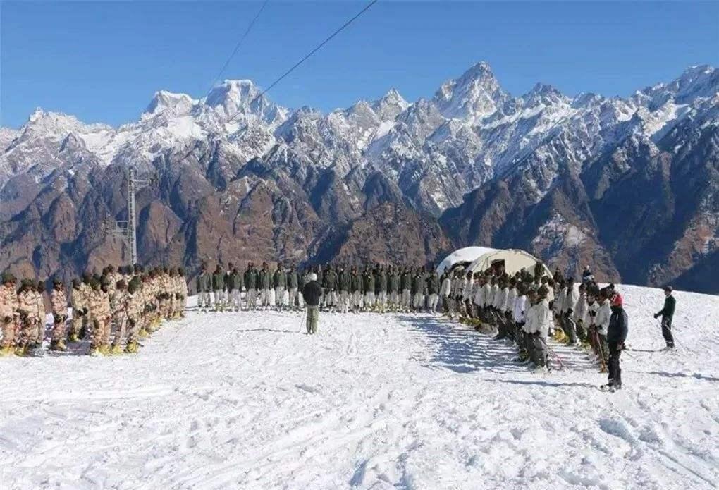 增兵一时爽?印媒发现一个大问题:边境20万部队怎么扛过冬天?