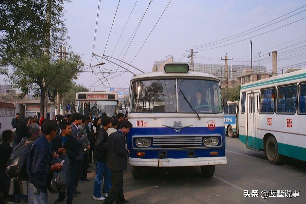 老照片,1999年的西安,私营经济催生的繁华古城