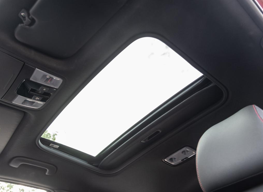 入门版新增电动天窗,加入时尚版车型,起亚K3改款上市,全系自动
