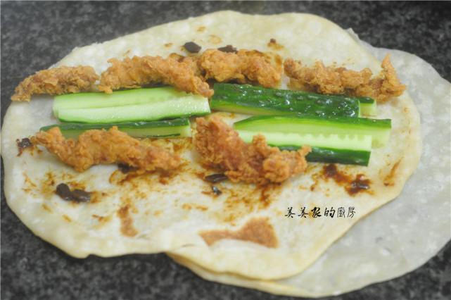 自製墨西哥雞肉捲,5分鐘就上桌,不用揉麵真省事,孩子的最愛