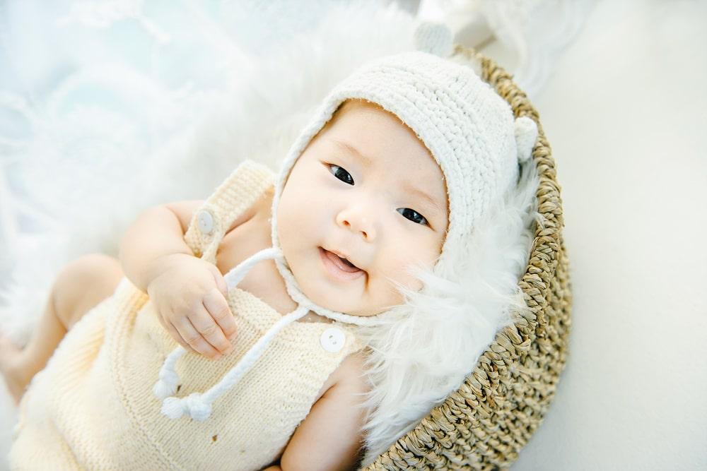 儿童摄影技巧:宝宝创意百天照攻略