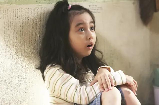 《七号房的礼物》里的小女孩近照曝光,网友:关晓彤加李晟的合体