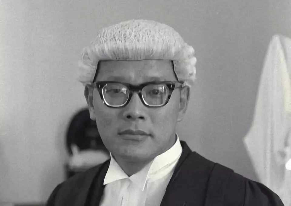 新加坡奇案:未婚妻潜水没了动静,他拽出海面的却只有一根绳子