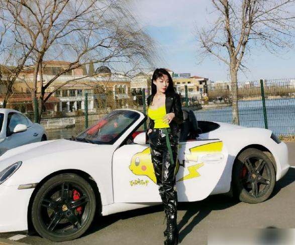 炫富上瘾了?郭美美花两百万买房,刚出狱的她钱是怎么来的?