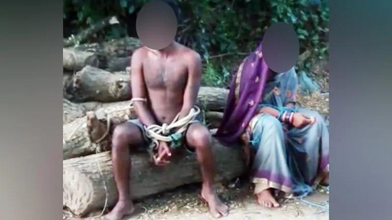 印度小情侣不被村民认可,竟遭痛打一顿,还被用绳子牵着游街示众