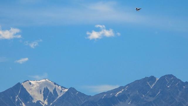 印军前高官叫嚣:印度空军是惩罚中国的关键力量,冬天等着瞧 原创 环球时报新媒体 2020-09-06 01:32:15 印度媒体《ThePrint》网站9月3日发表了一篇措辞激烈的文章,叫嚣称印度空军