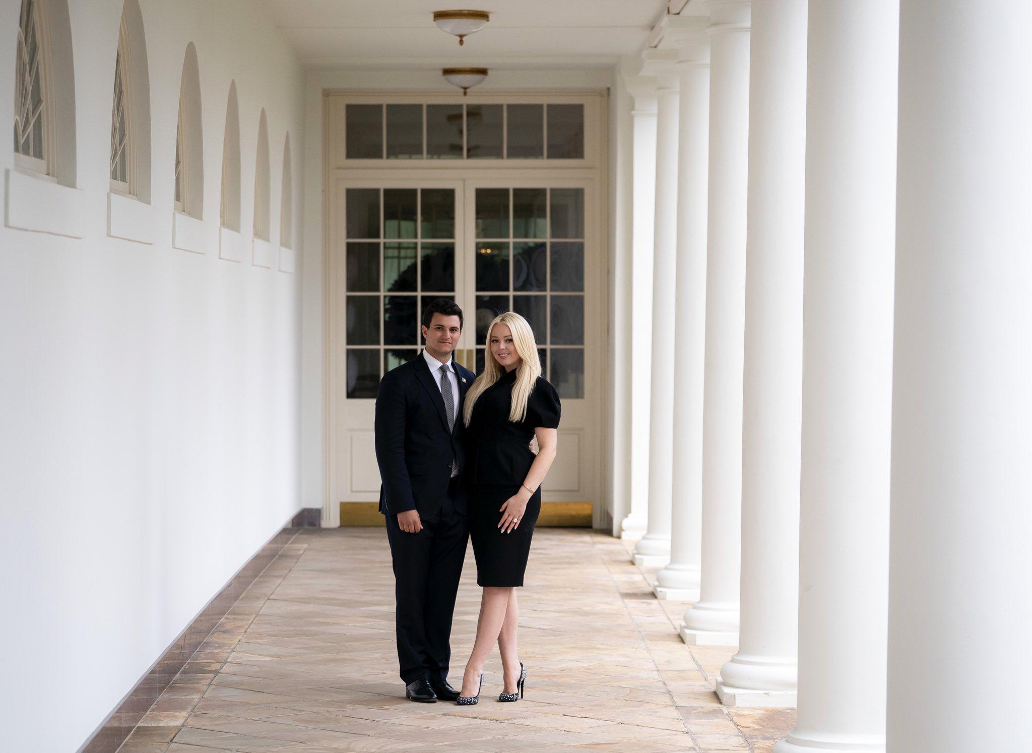 川普小女儿与富豪贵公子订婚!被伊万卡艳压多年,终于大翻身?