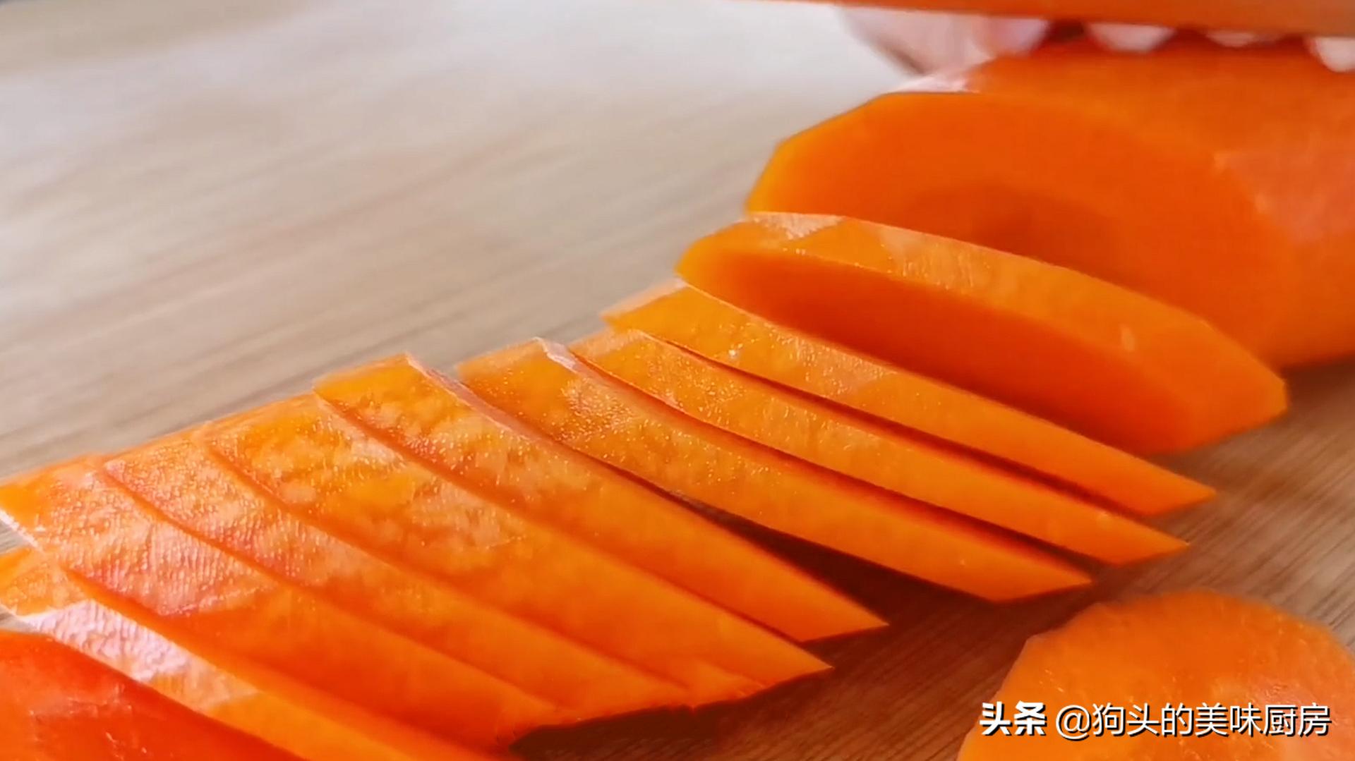 面粉里加入一根胡萝卜,不用烤不用烙,香甜拉丝,孩子天天吃不够 美食做法 第4张