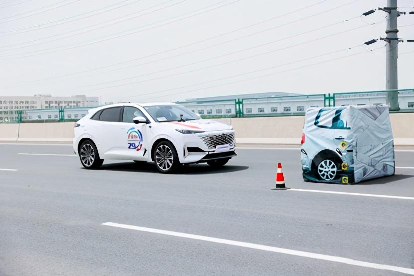 长安UNI-K满分夺得世界智能驾驶挑战赛金奖