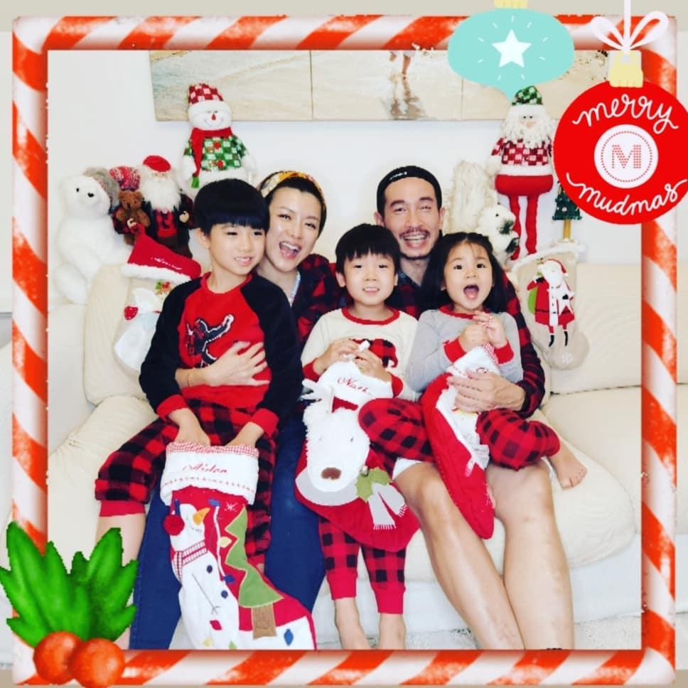 """陈茵媺圣诞晒全家福,三个子女""""调皮捣蛋"""",和陈豪拍合照不容易"""